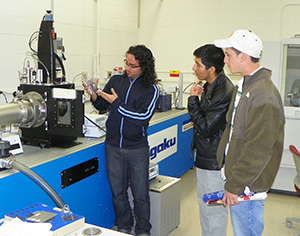 Undergraduates tour the Chemistry Building's instrumentation facilities