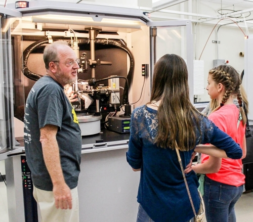 Students visit an x-ray crystallography laboratory at the UW-Madison chemistry department