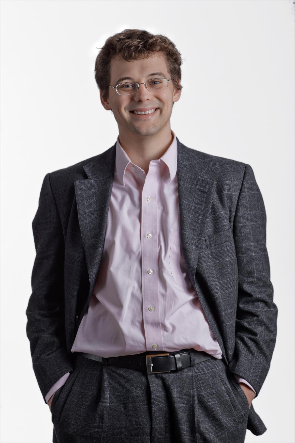 Professor Daniel Fredrickson Wins ACS ExxonMobil Award