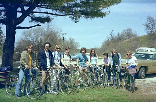 1977 Reich group on bikes