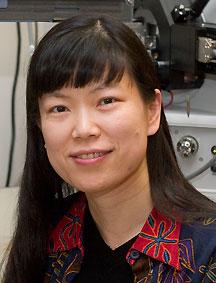 Lingjun Li Wins Biemann Medal